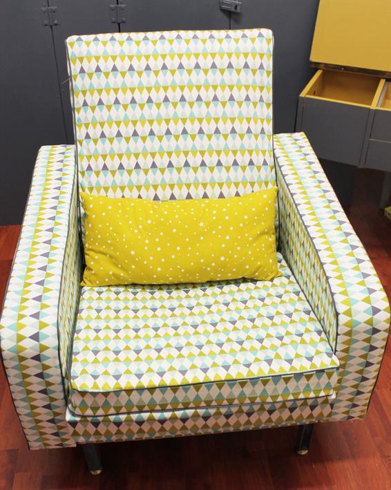Mon fauteuil comedia ou comment j ai fait tapisserie innamorata - Comment nettoyer fauteuil tissu ...